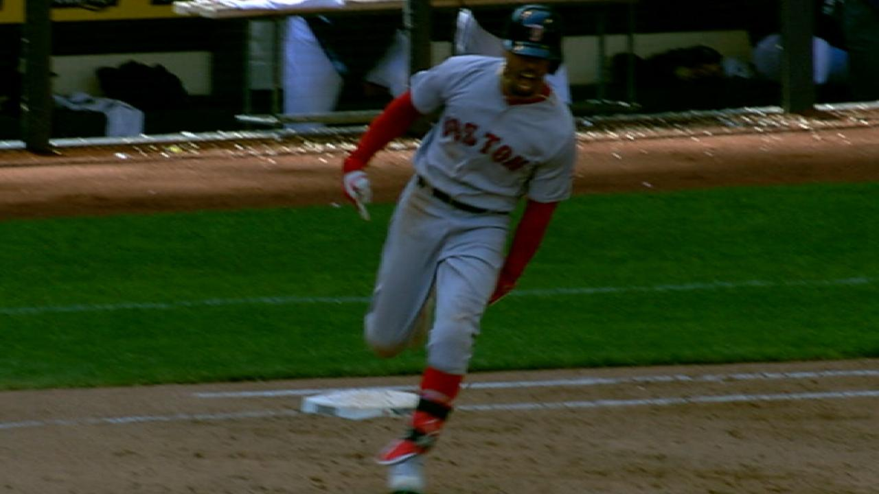 Betts' torrid stretch earns AL Player of Week