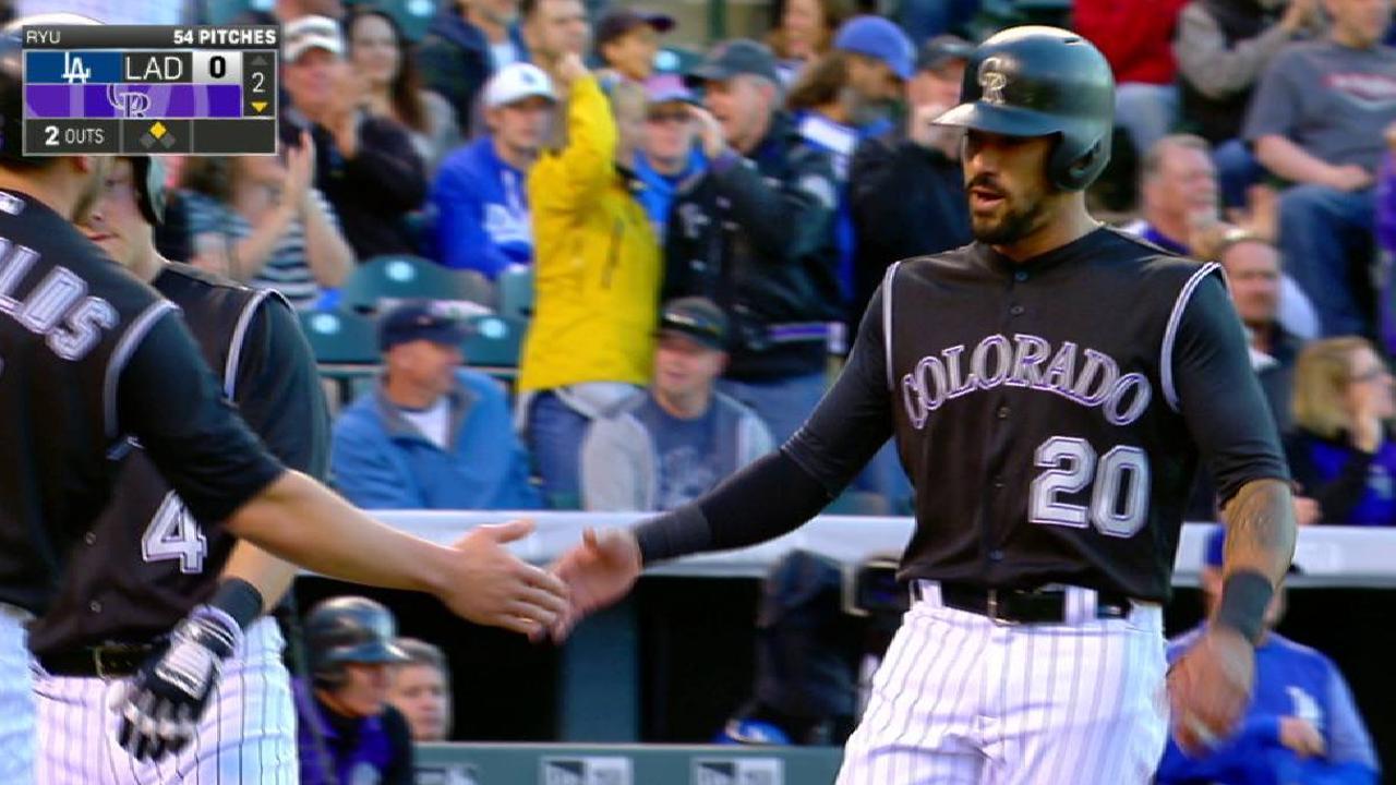 Poder de CarGo, Arenado impulsan a Rockies ante los Dodgers