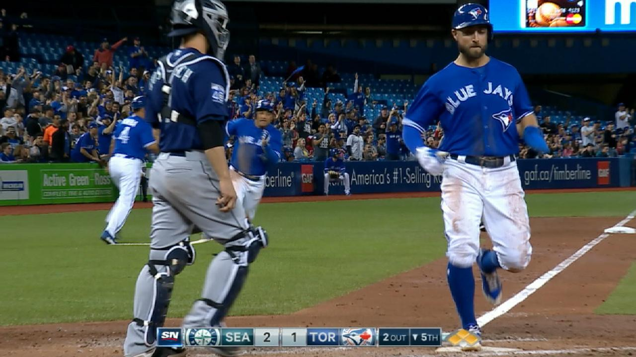 Blue Jays' 5th-inning rally