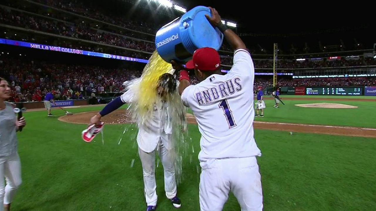 Gallo's patience rewarded with walk-off homer