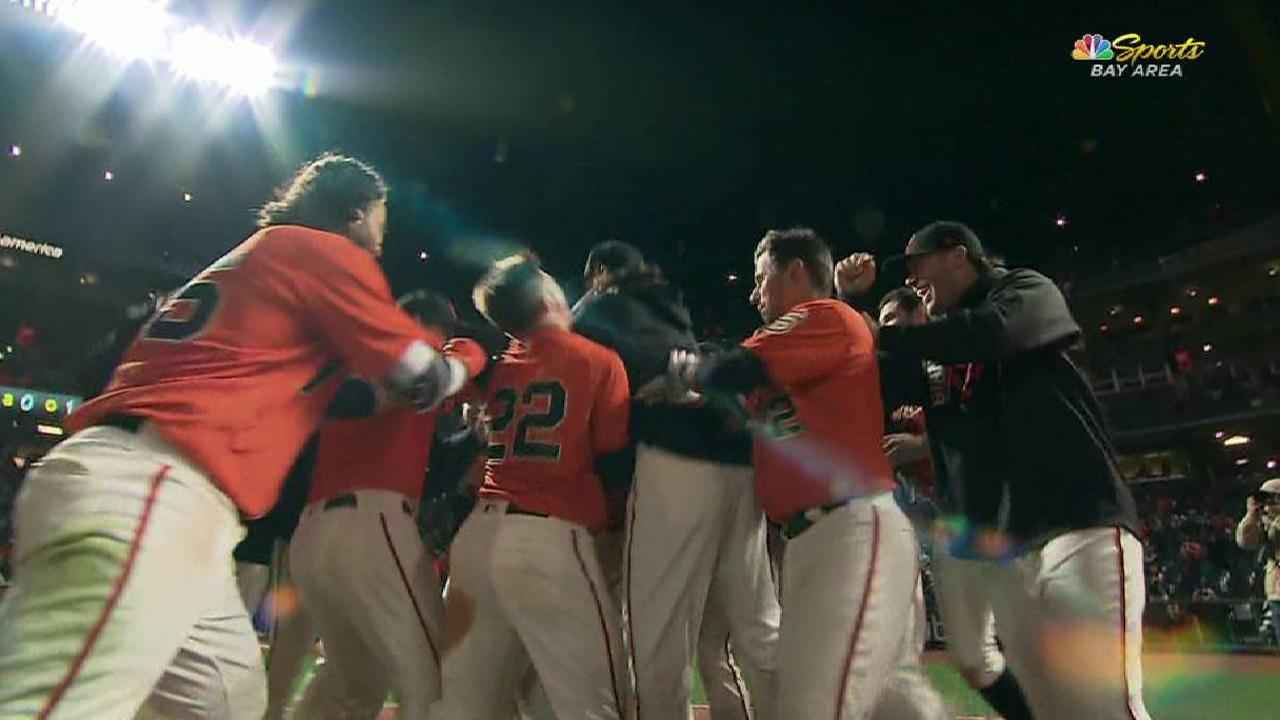 Posey's homer ends 17-inning battle