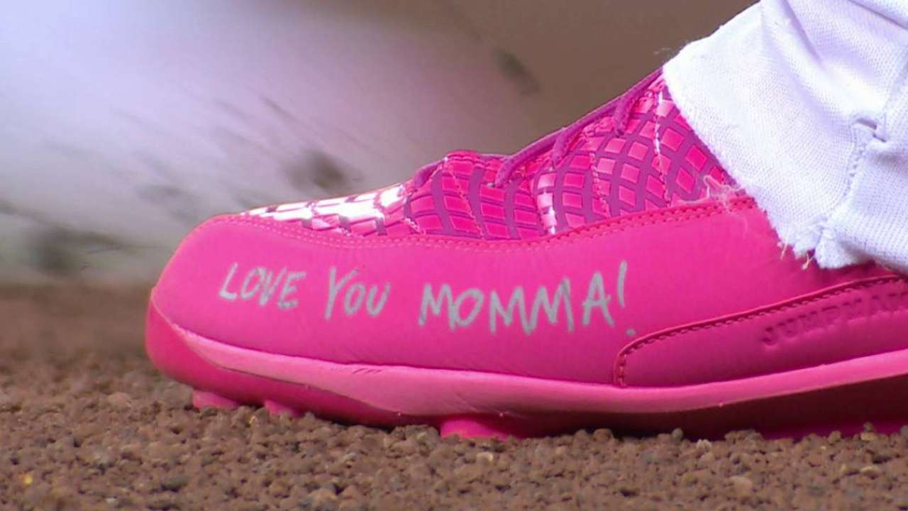 Stroman's Mother's Day cleats