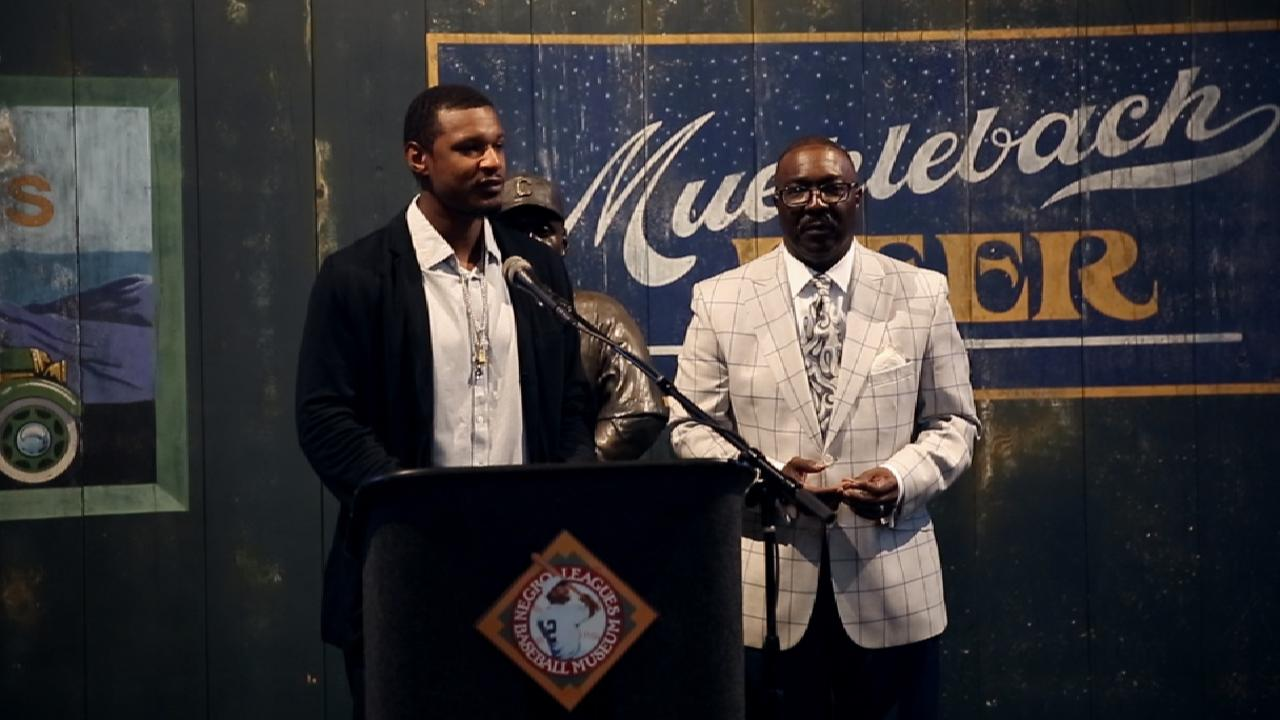 Jones' gift echoes value of Negro Leagues