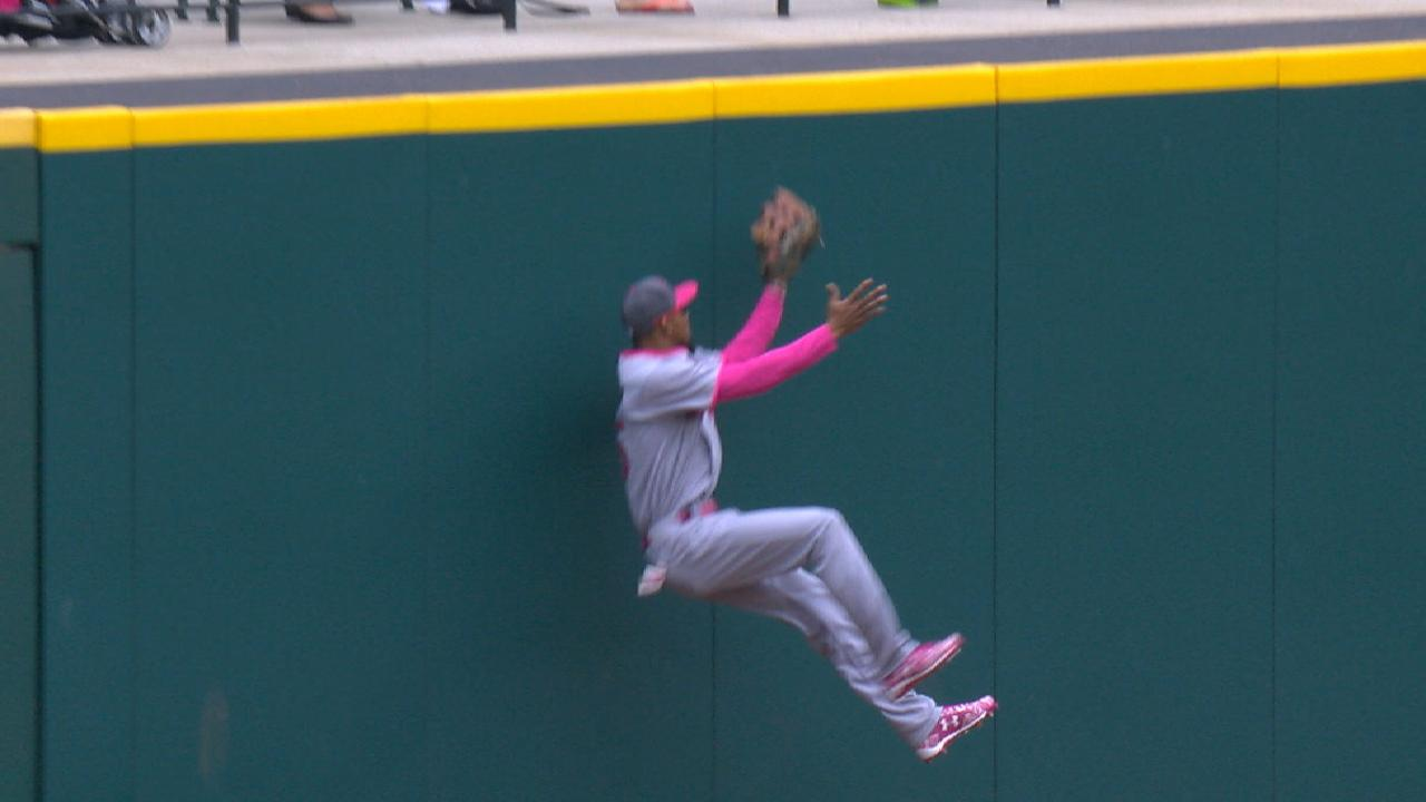 Buxton's spectacular catch