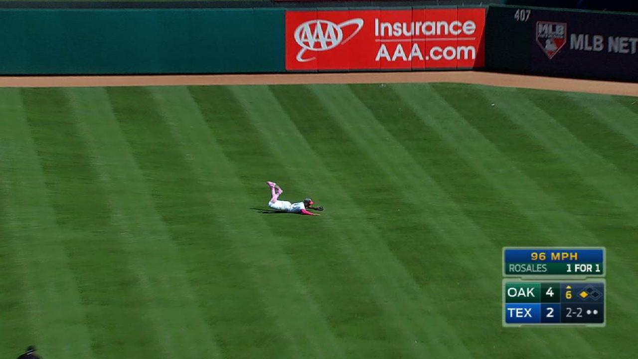 Gomez's awesome diving catch