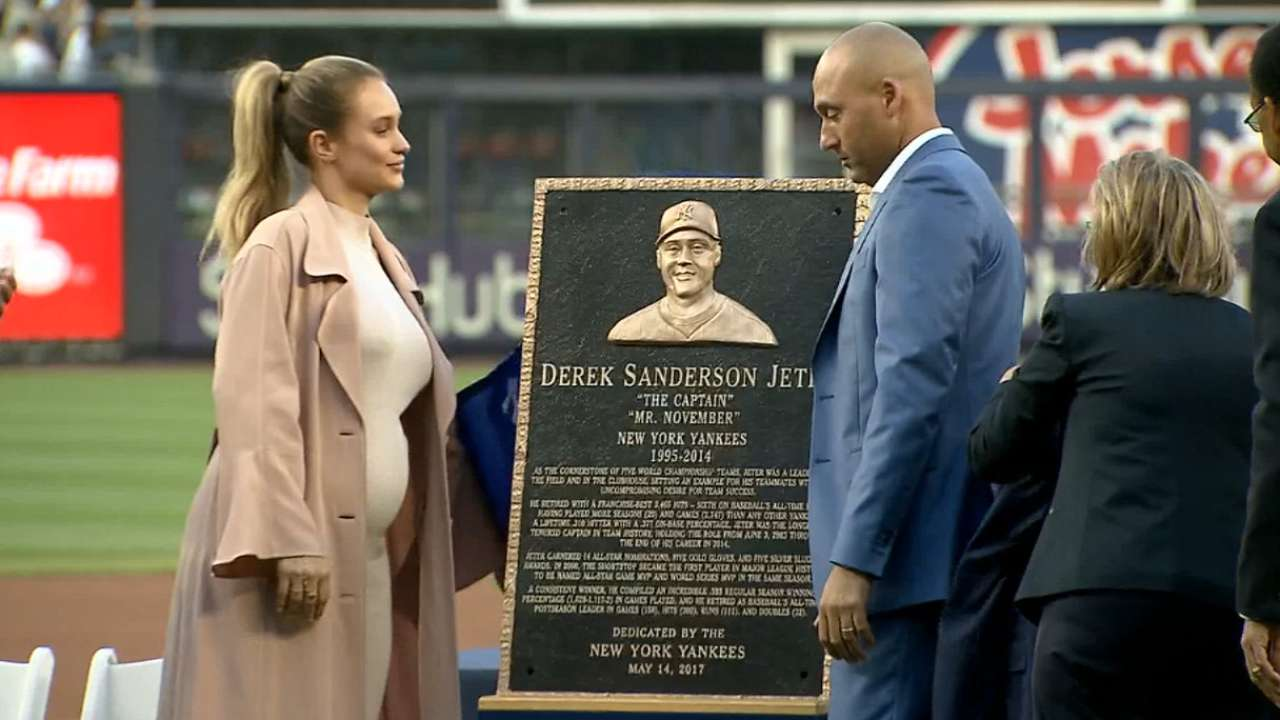 Jeter's plaque gets unveiled