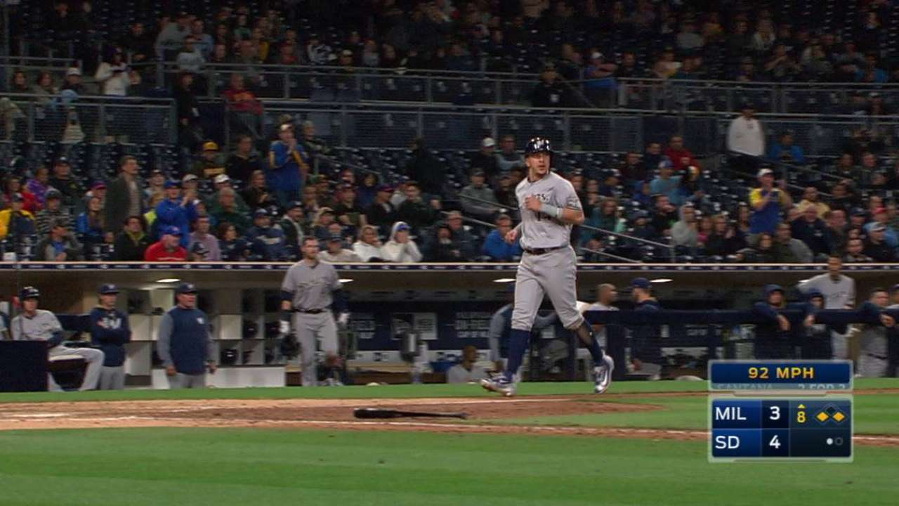 Santana's RBI single ties game