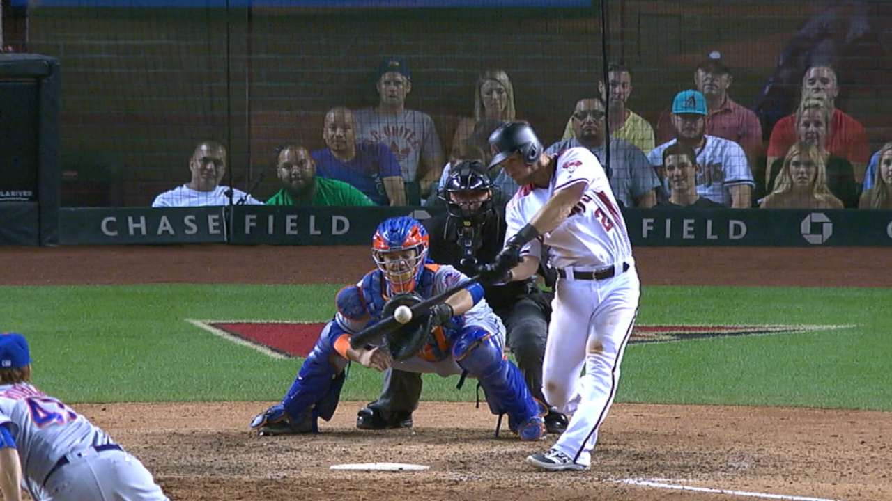 D-backs' 6-run 8th ends duel with Mets