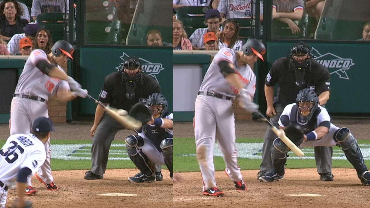 Davis' two-homer, four-RBI game