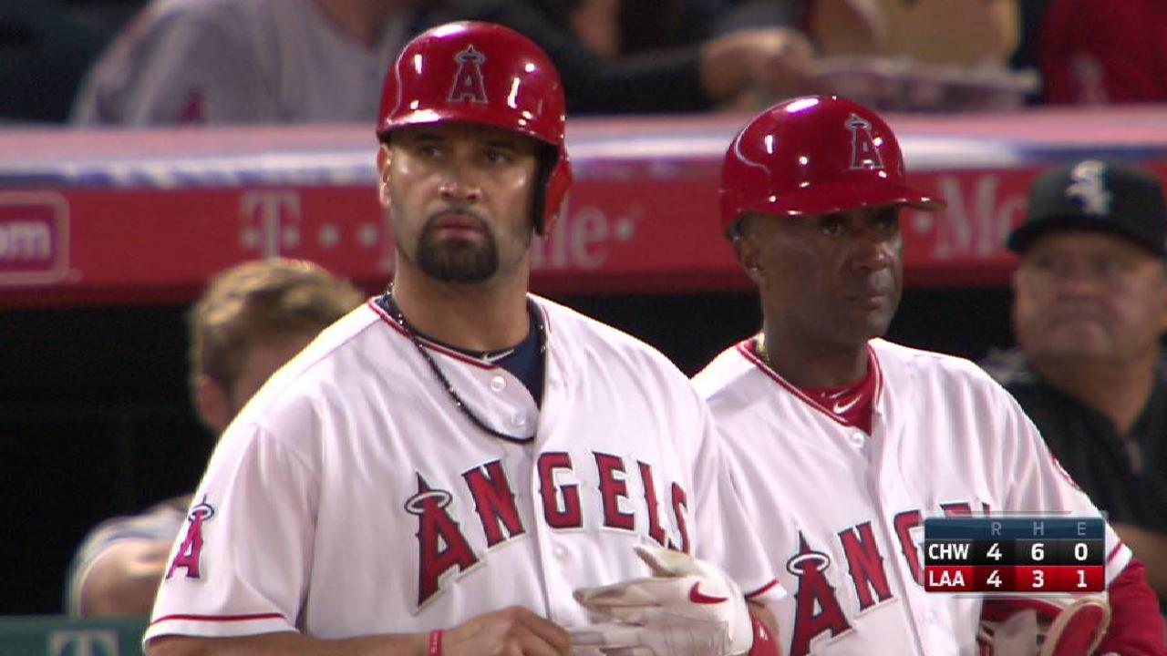 Pujols' two-run single