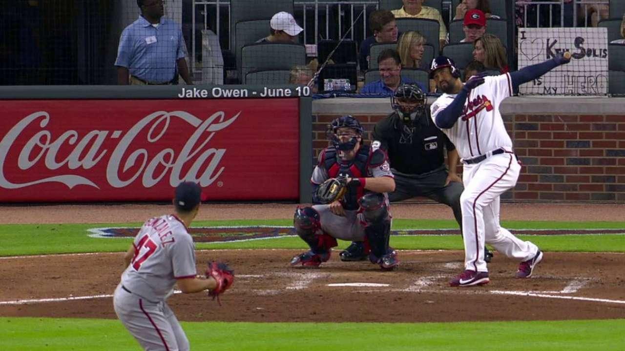 Kemp's solo dinger