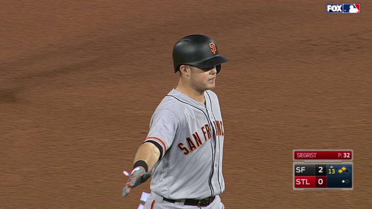 Arroyo's hit gives Giants win in epic duel