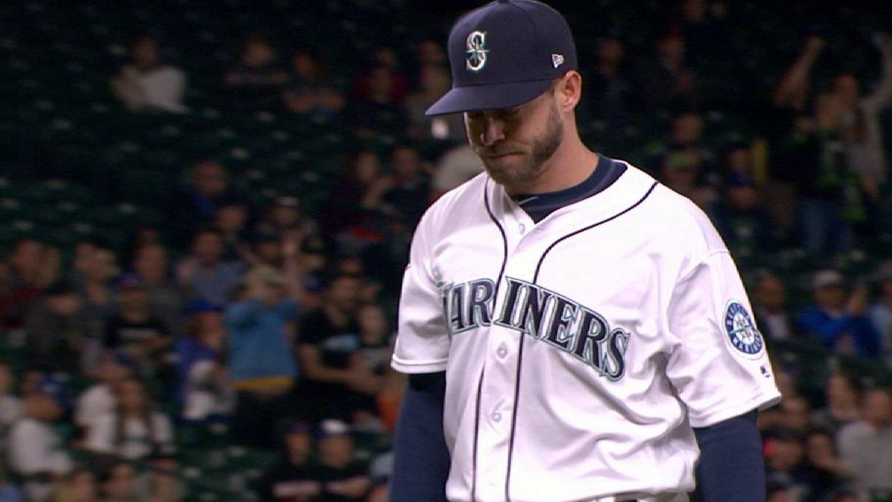 Mariners call on Freeman to pitch in rout