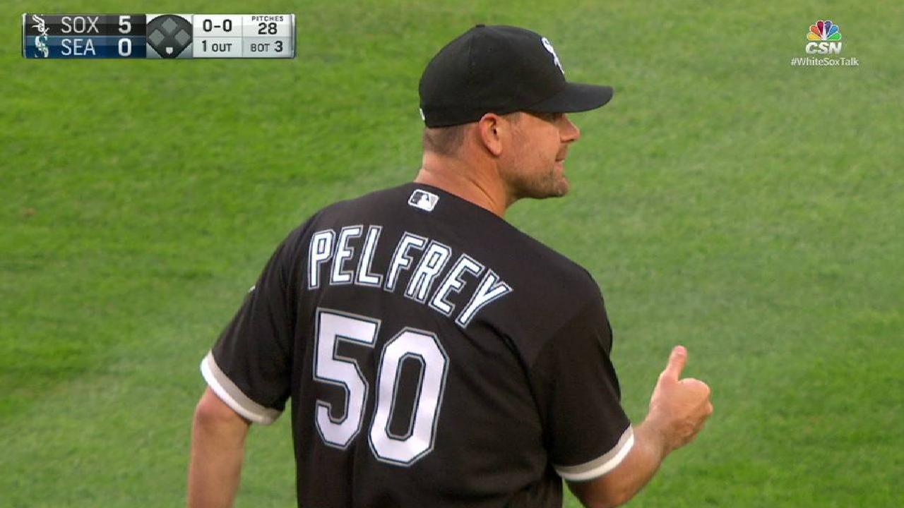 Pelfrey gets plenty of support in first victory