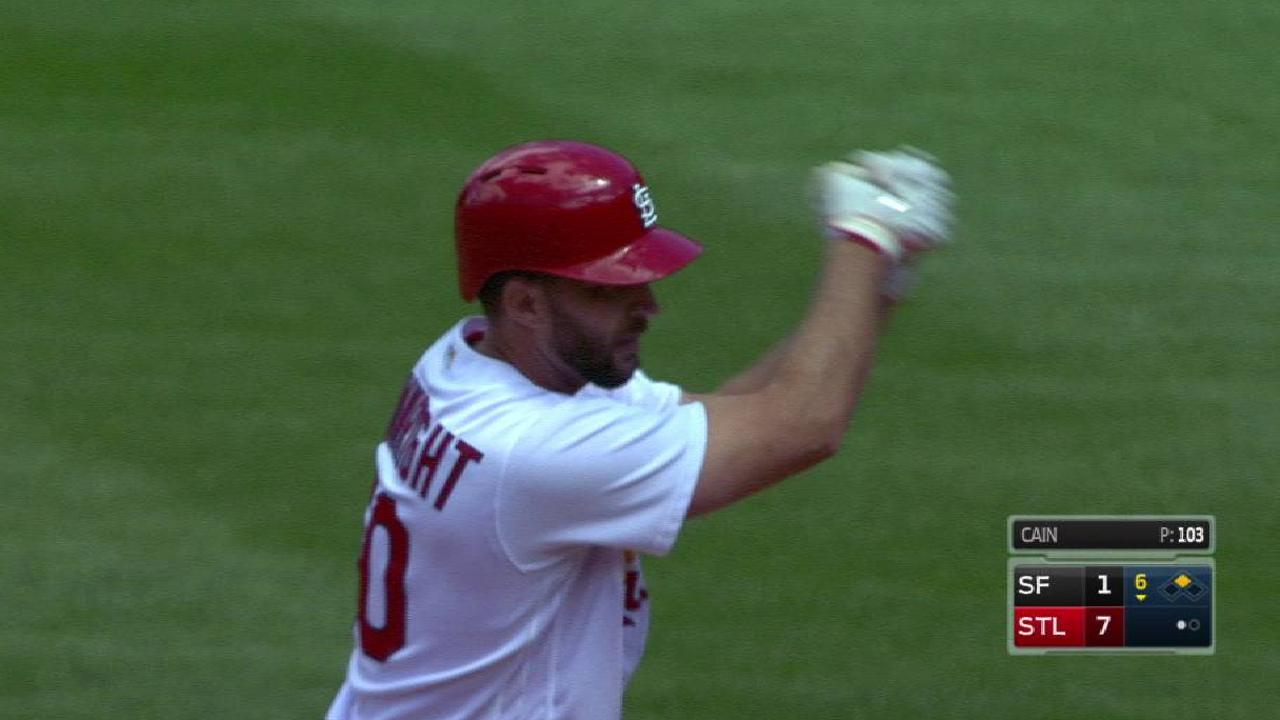 All right with Wainwright in win over Giants