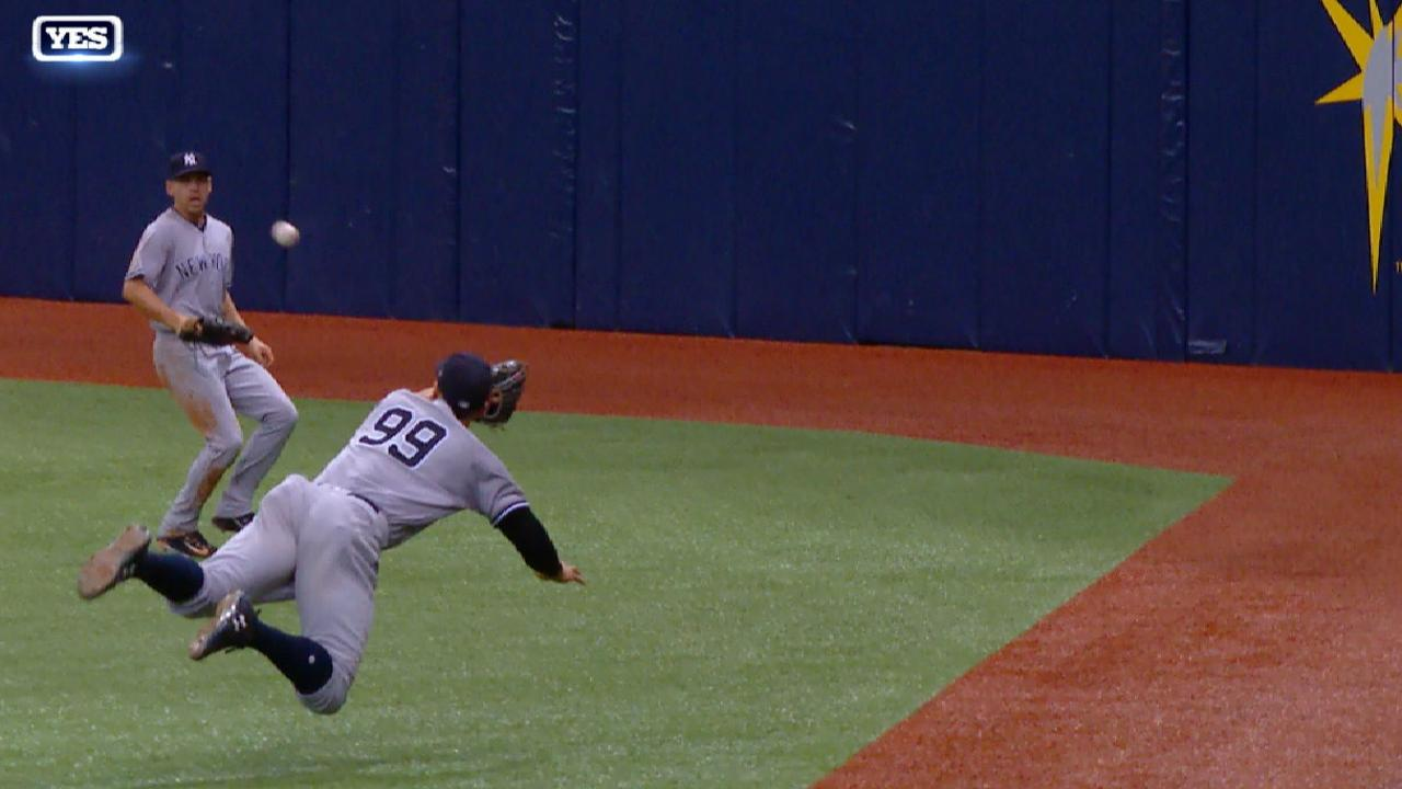 Must C: Judge's diving catch