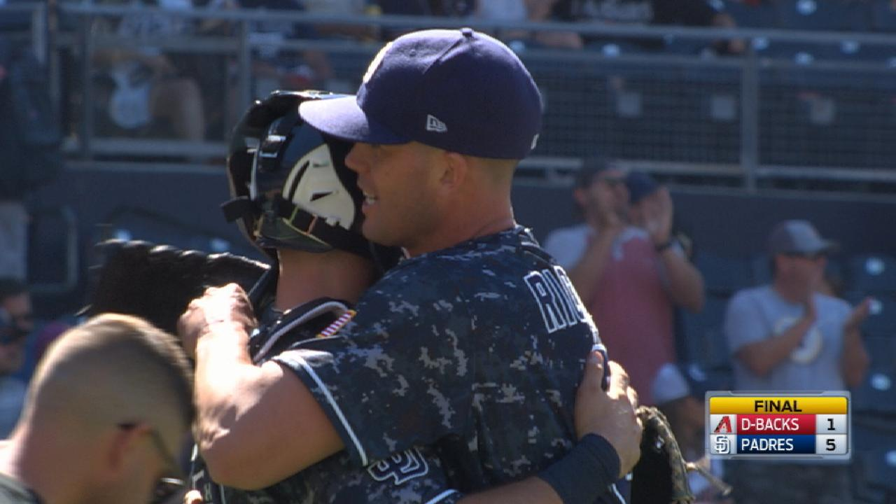 Richard steps up when Padres need leader