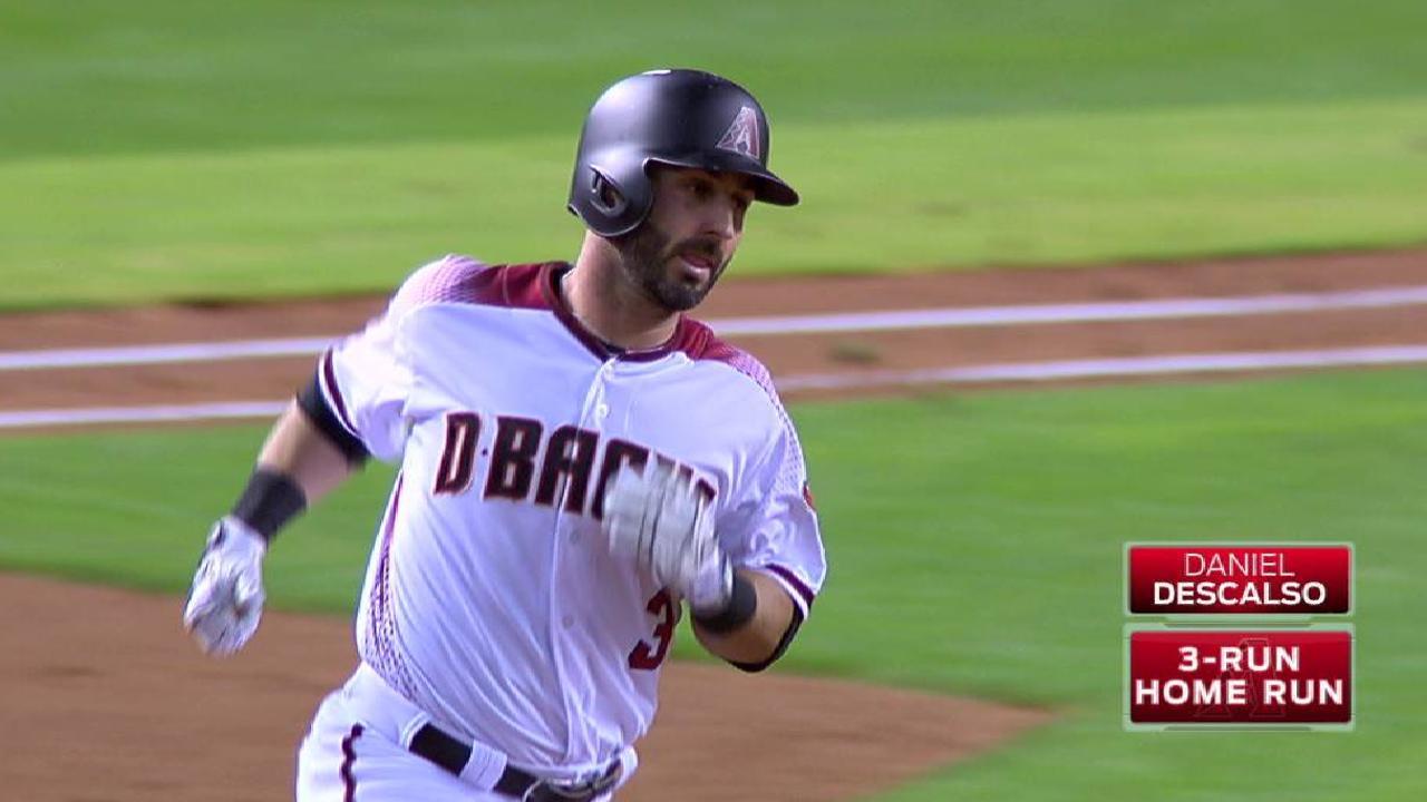 Descalso's three-run homer