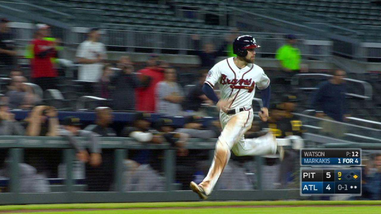 Markakis' game-tying double