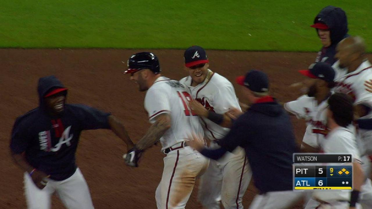 Braves' Adams hits walk-off to end marathon