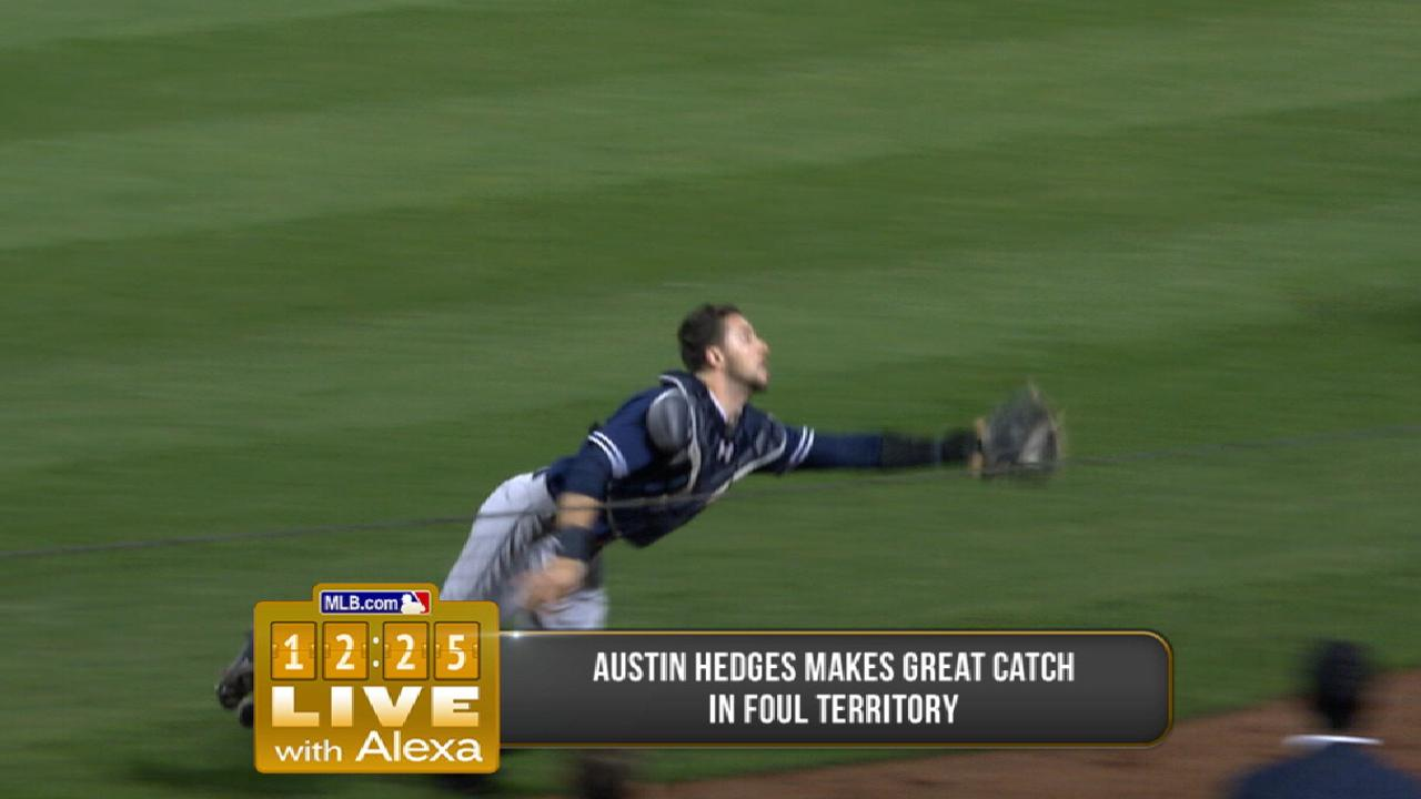 Hedges' diving play vs. Mets