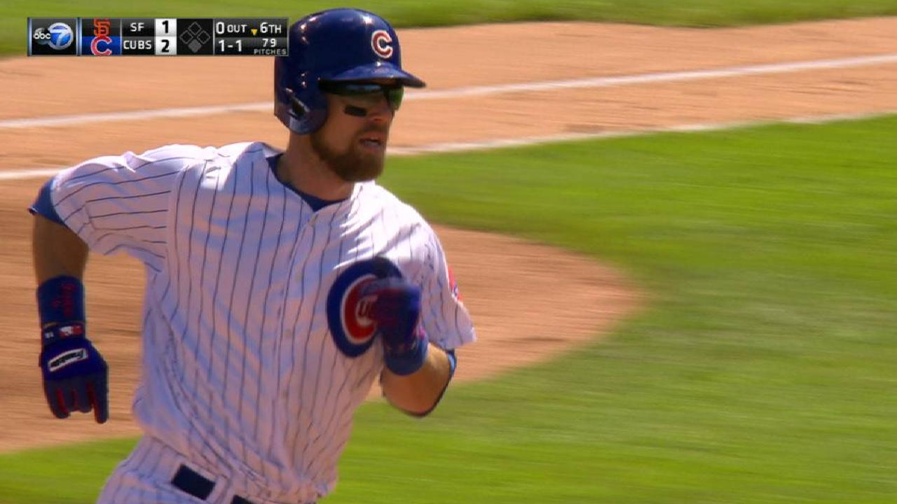 Solo shots secure Cubs' series win vs. Giants