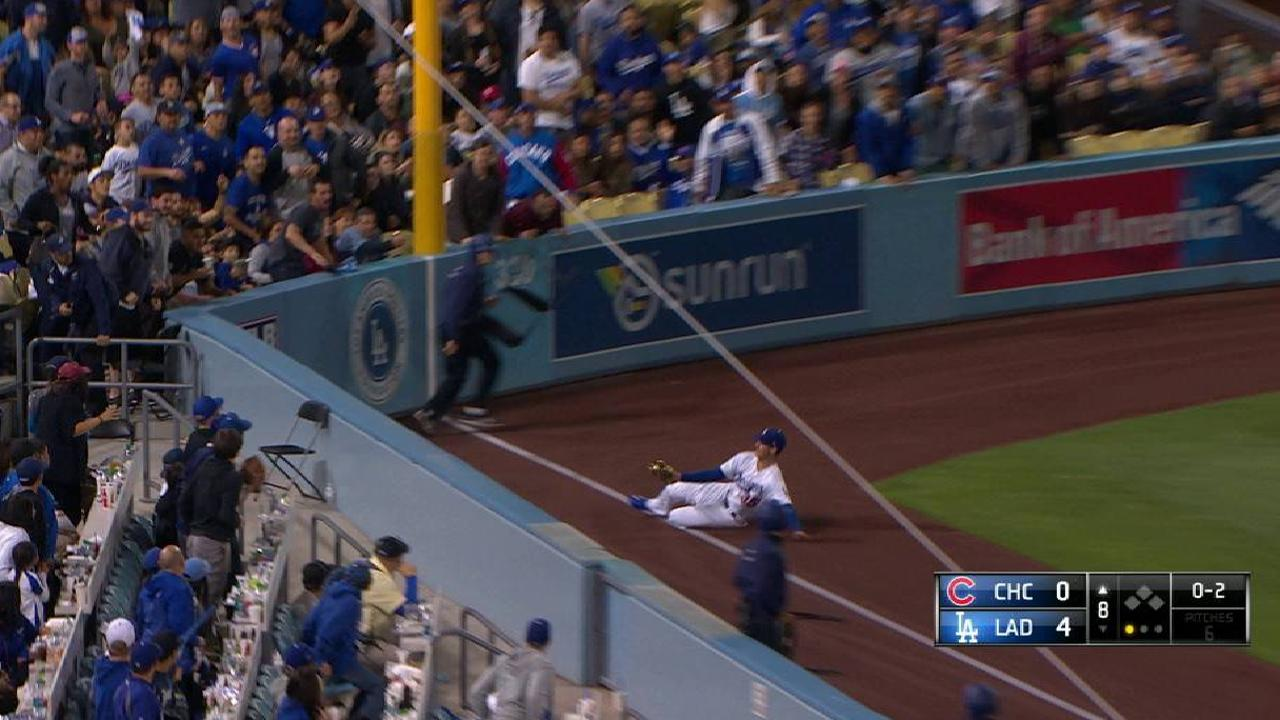 Bellinger's great sliding catch