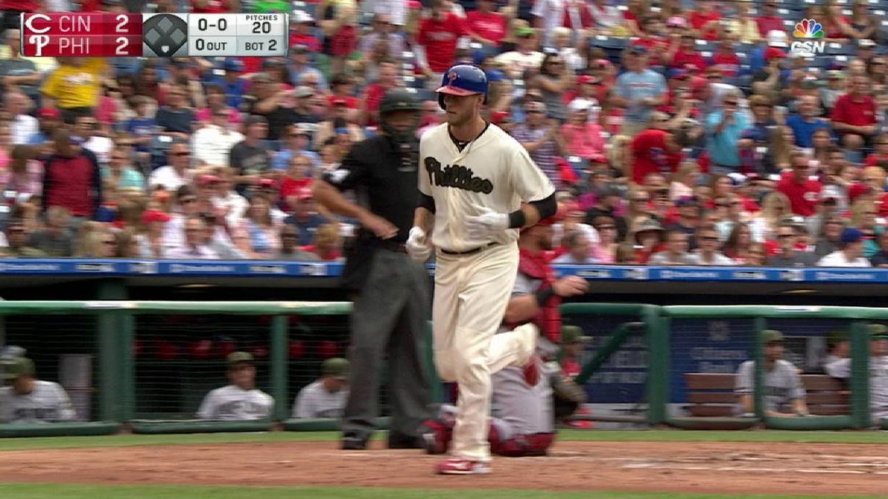 Saunders' towering solo homer