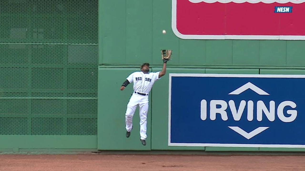 Bradley Jr.'s leaping grab