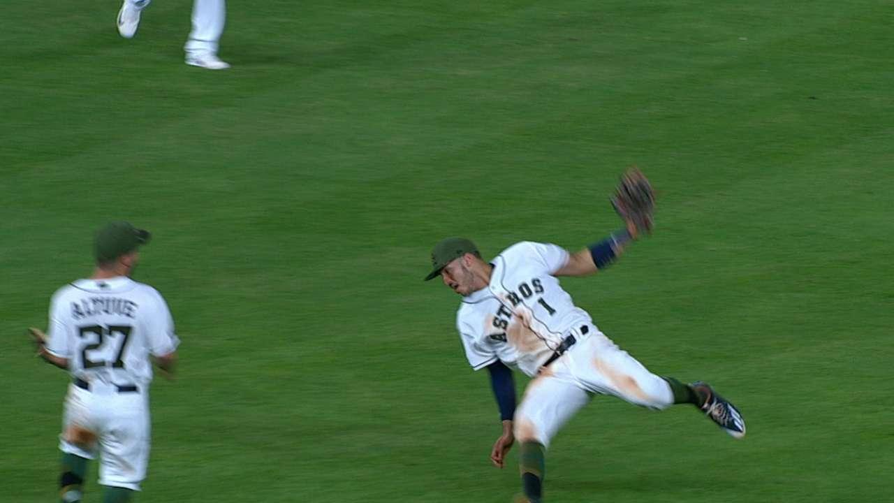 Correa's fantastic catch