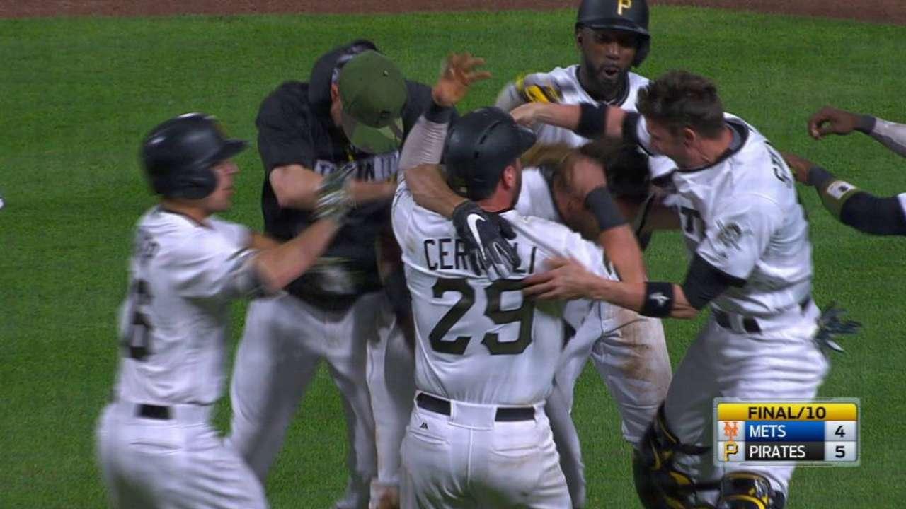 Sencillo de Jaso en la 10ma decide triunfo de Piratas ante Mets