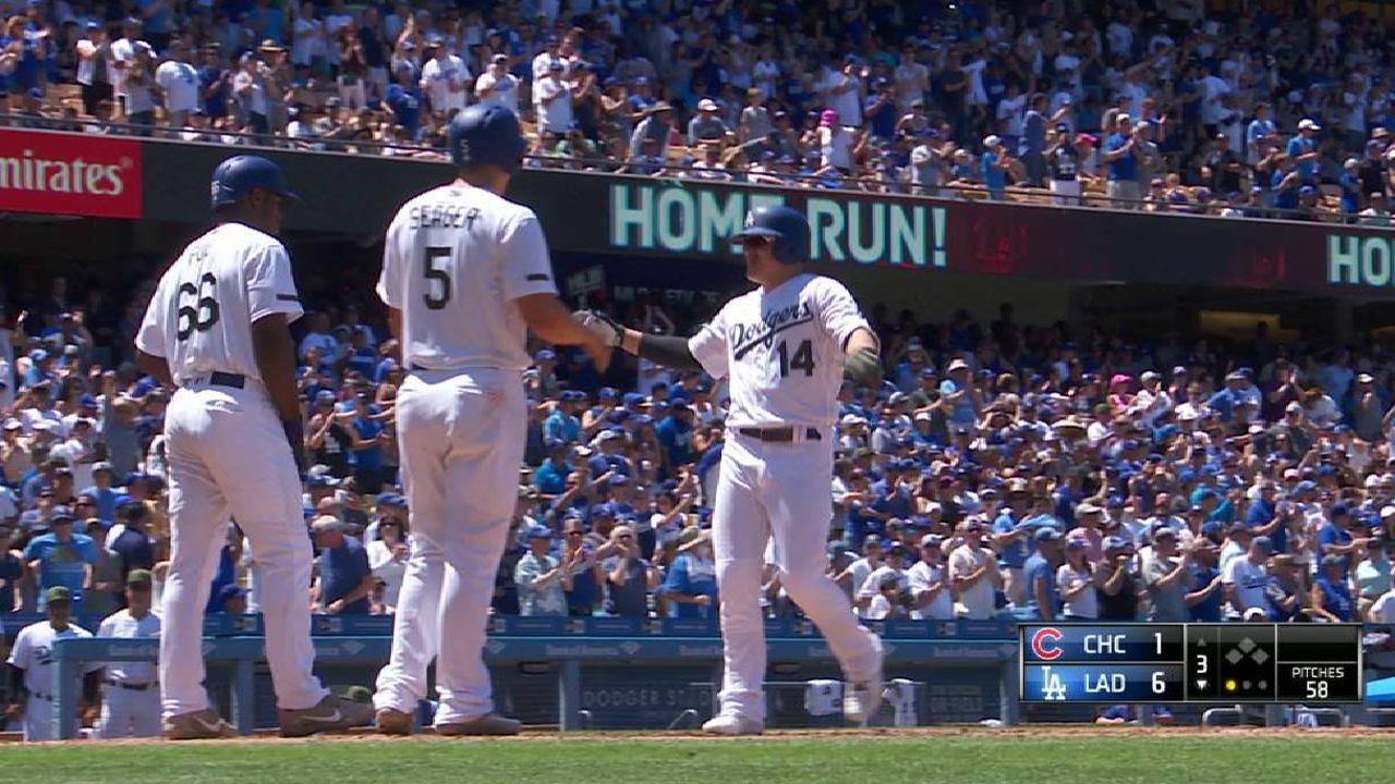 Hernandez's three-run home run