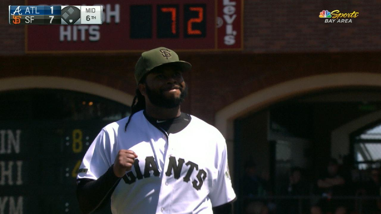 Cueto back in fine form in beating Braves