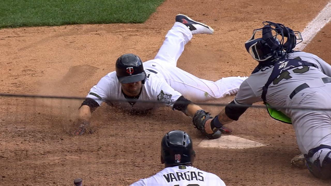 Souza throws out Dozier at home