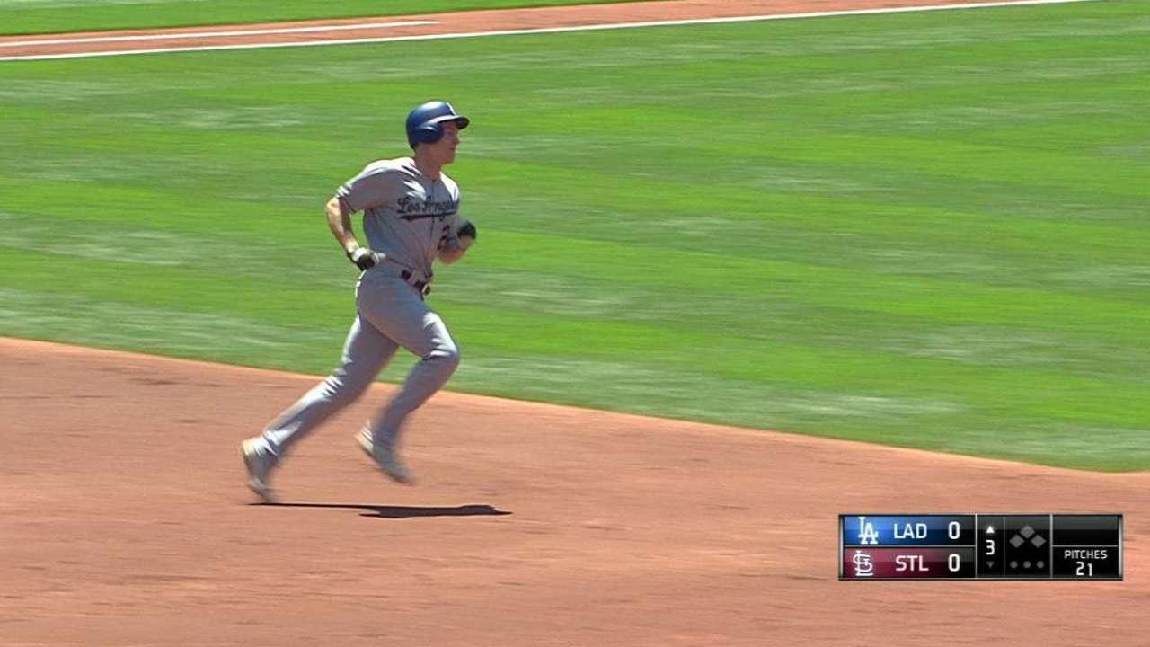 Utley's solo home run