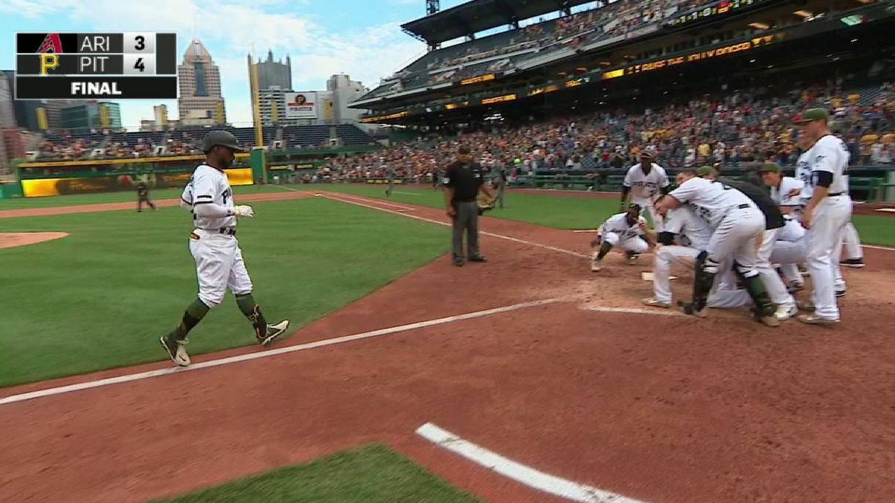 Cutch hits walk-off HR in wild win vs. D-backs