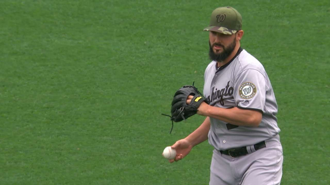 Zim homers as Roark shuts down Giants