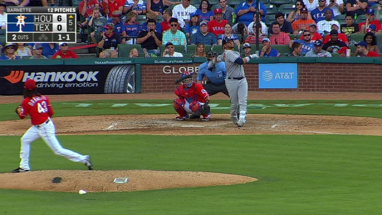 Astros llegan a 10 triunfos seguidos, Gurriel pega jonrón