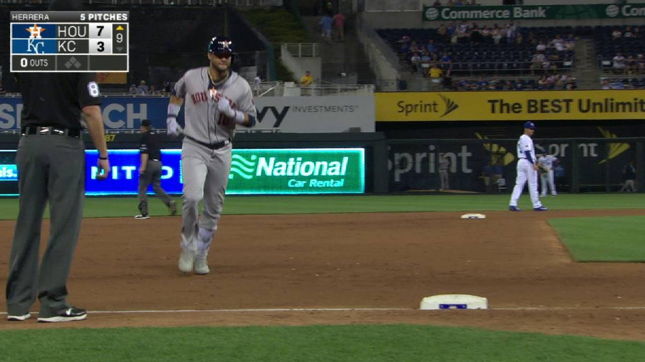 Poder de Gurriel ante Reales le da a los Astros su 11ma victoria en Fila