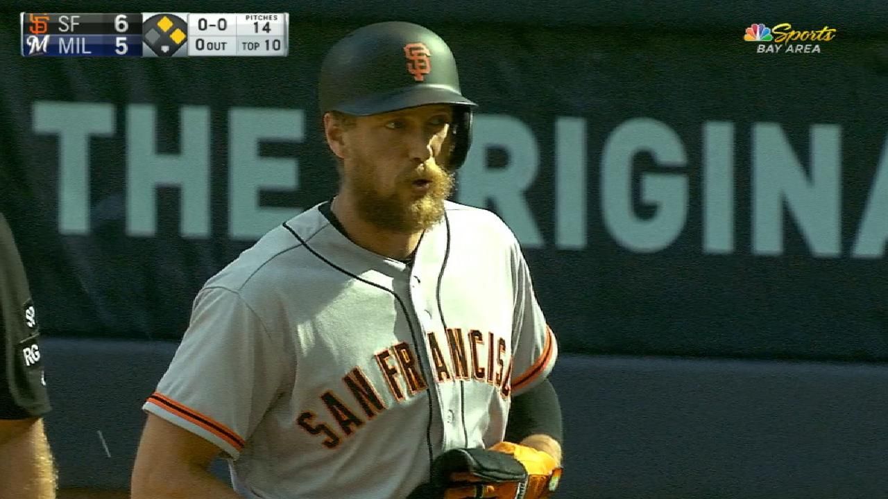 Giants put up four in the 10th