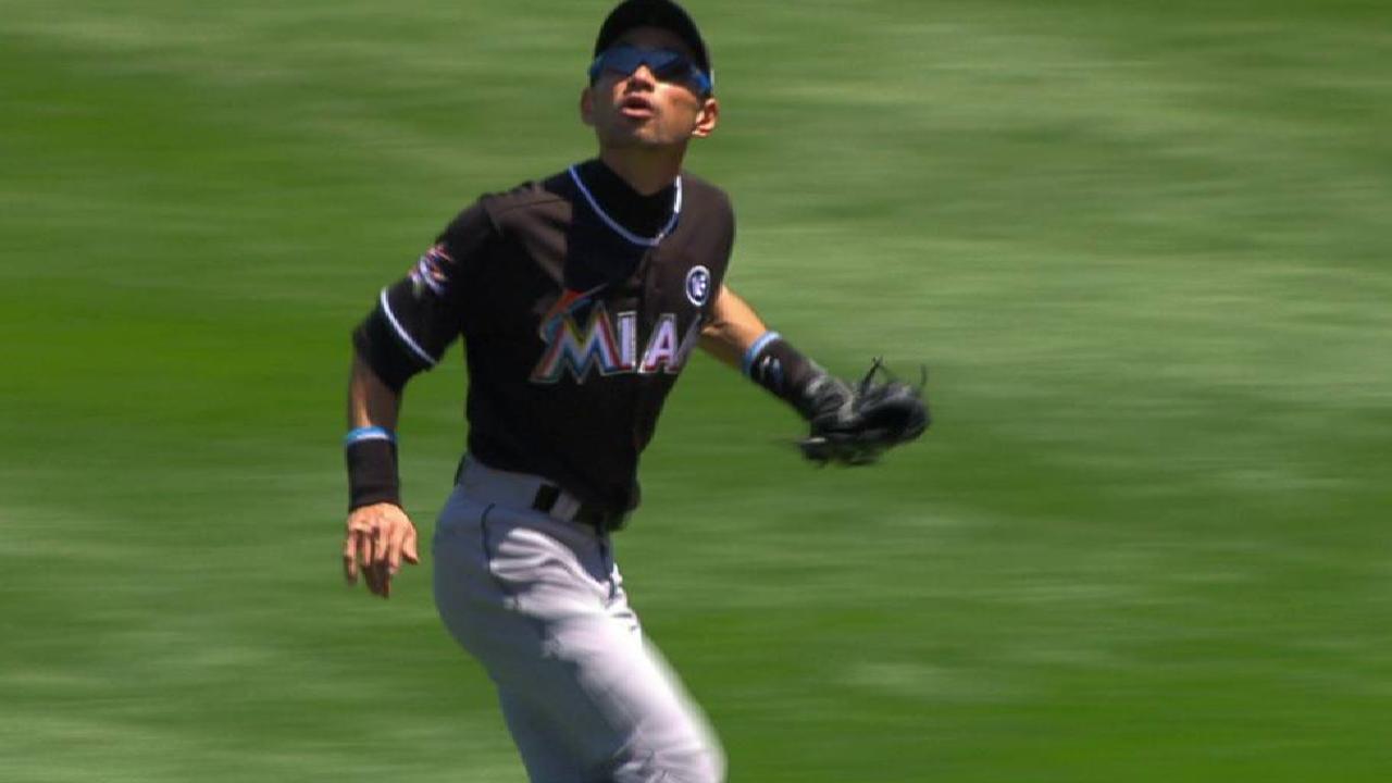 Ichiro's leaping catch
