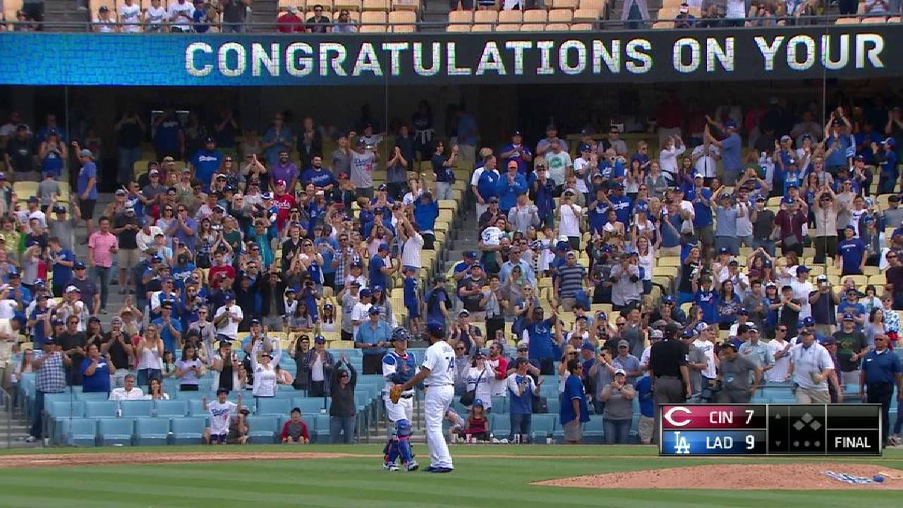 Jansen earns his 200th save