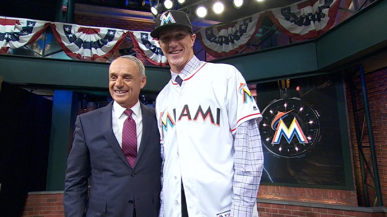 Marlins select prep pitcher Rogers at No. 13