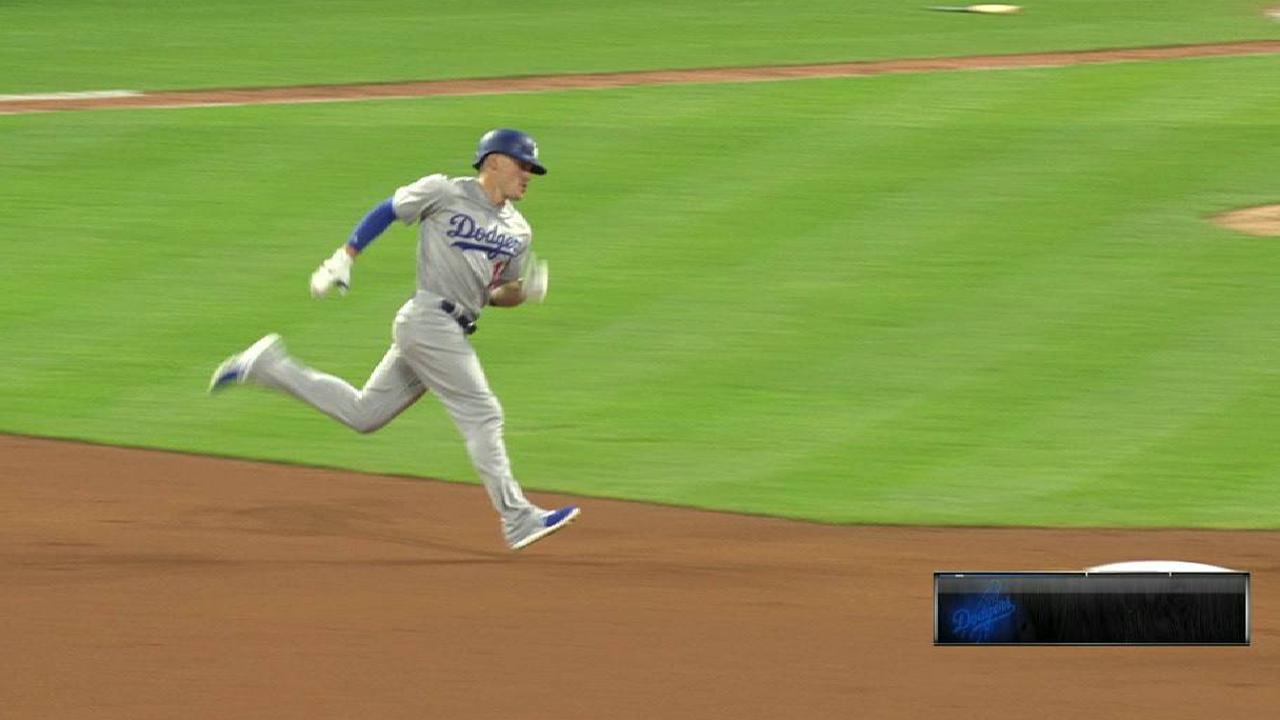 Dodgers sorprenden a Indios con jonrón de Enrique Hernández en el 8vo