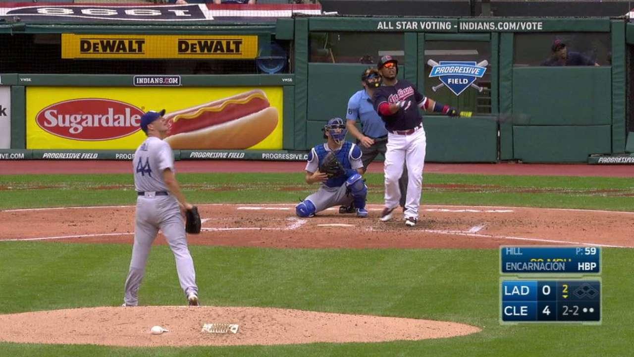 Indios frenan las escobas de Dodgers con potente ofensiva