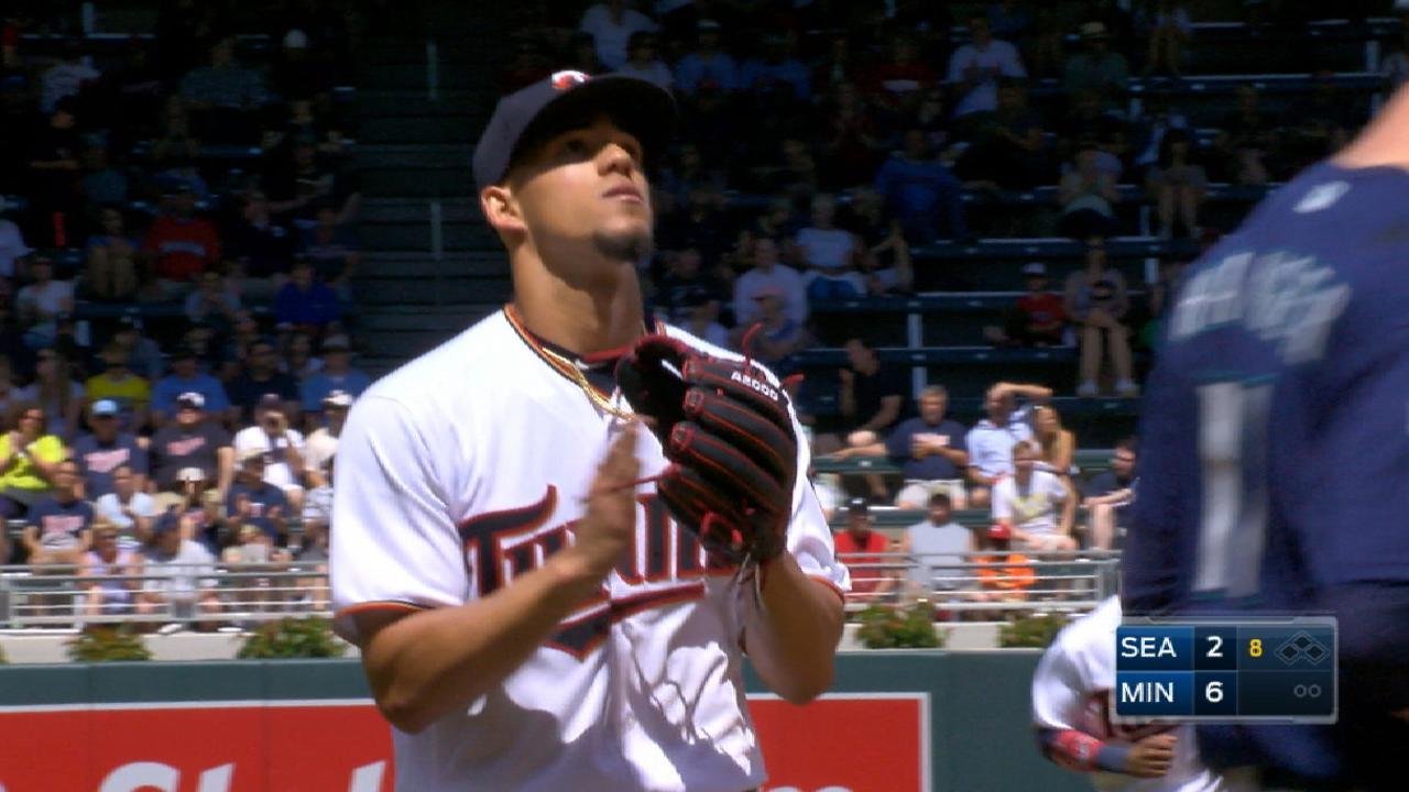 Berrios strong, leads Twins past Mariners
