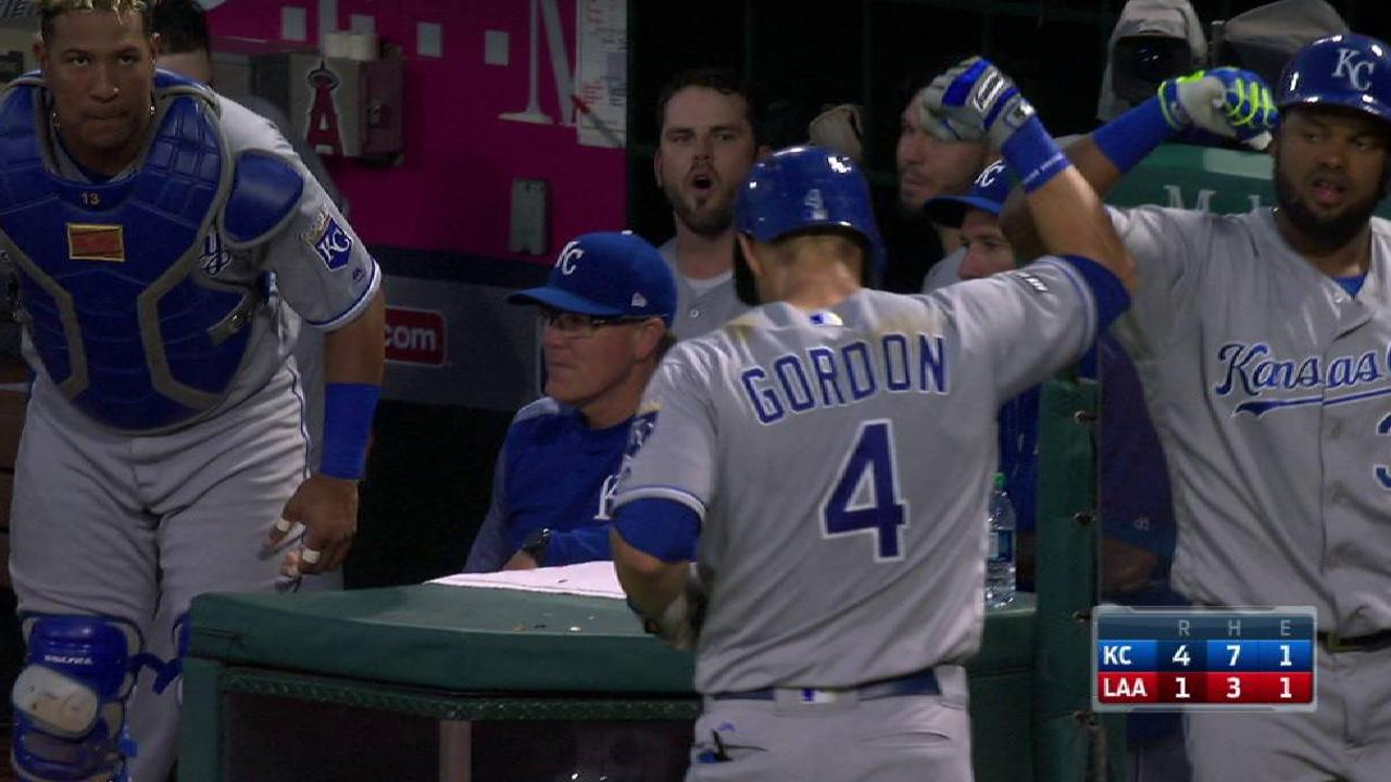 Gordon's big night backs Strahm's gem