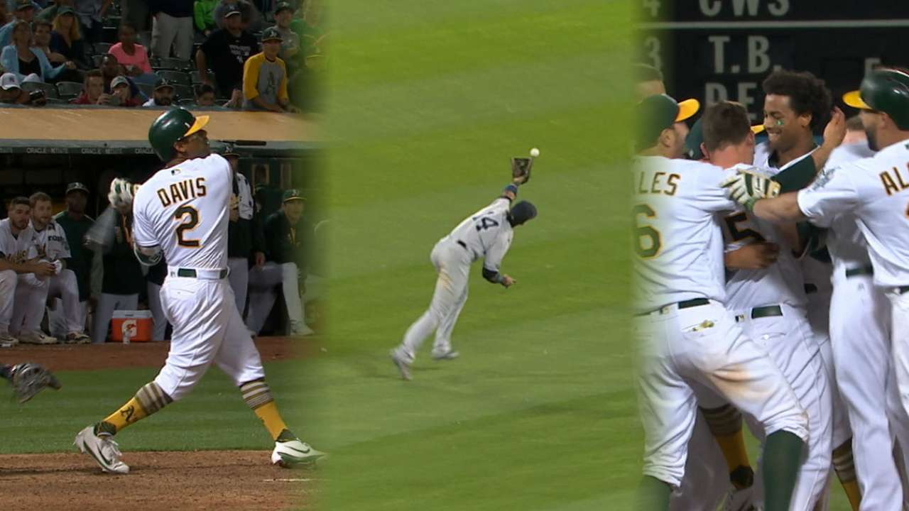 Khris clutch as A's sink Yanks in wild walk-off