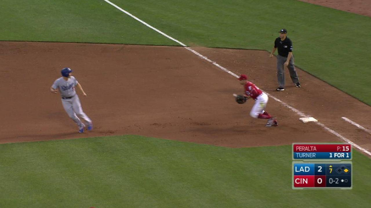 Peralta picks off Seager