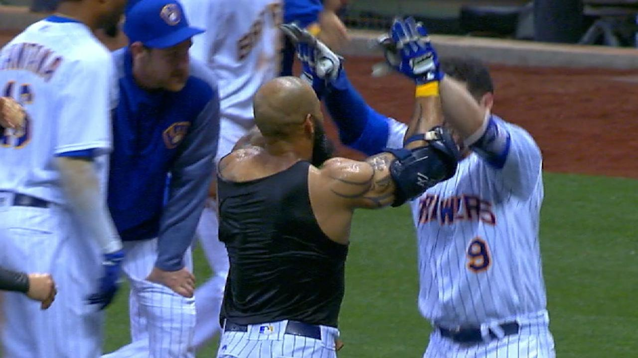 Thames caps HR-heavy win with first walk-off